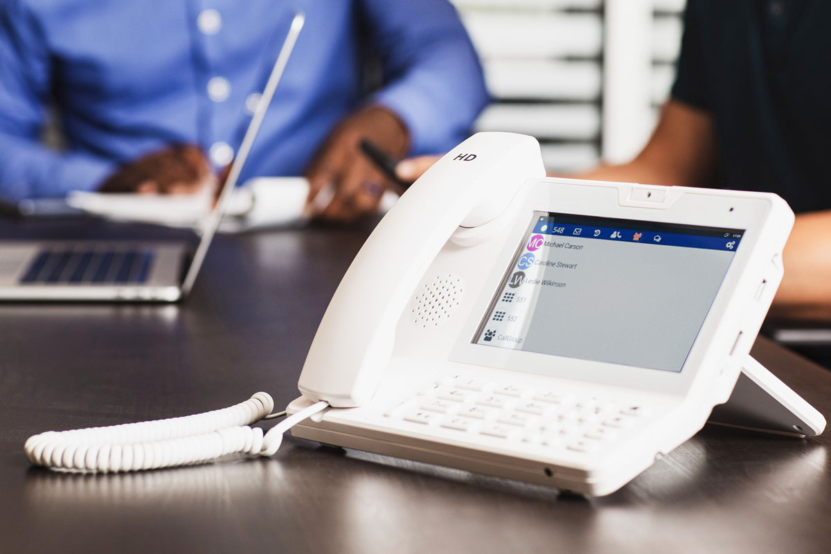 Best VoIP Phone System For Business - Benefits and Advantages