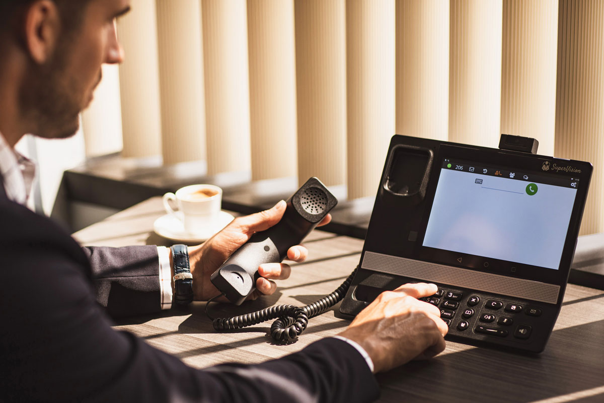 Benefits of Moving to a VoIP Telephony Best 4 Business Communications VoIP IP Phone Telephone System For Business Offices Cloud Phone Collaboration Remote Working Solution